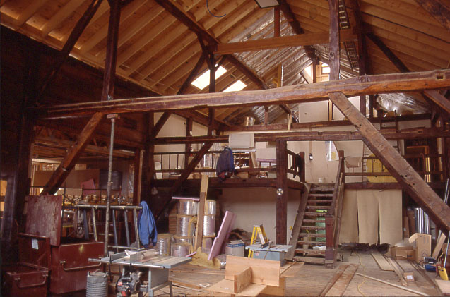 LP barn interior constr